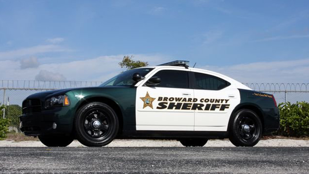 side view design of broward county sheriff car