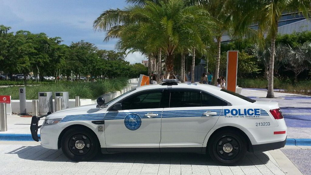 sideview design of a professional law enforcement police car